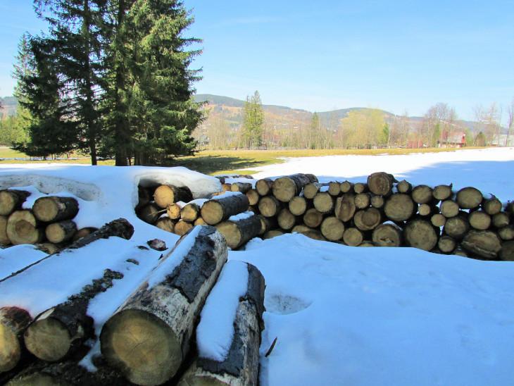 ścieżka pod reglami zimą